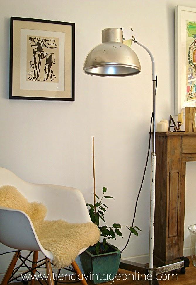Lámparas de pie vintage estilo retro e industrial. Focos aluminio valencia.