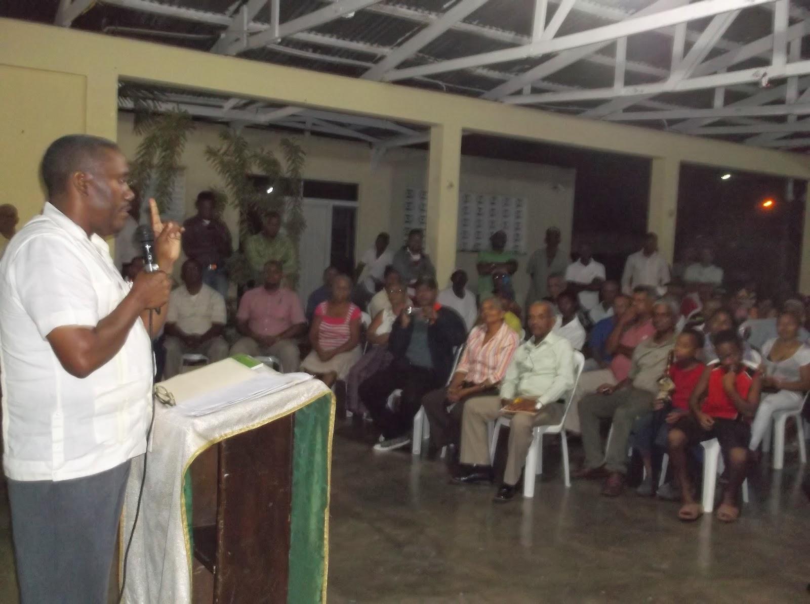 Alcalde Cristino Lorenzo proclama población lo eligió para que gestione soluciones para el desarrollo del municipio de Cambita Garabito