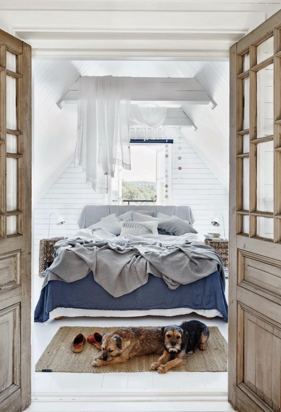 wystrój wnętrz, wnętrza, dom, mieszkanie, aranżacja, home decor, białe wnętrza, vintage, styl skandynawski, sypialnia, łóżko