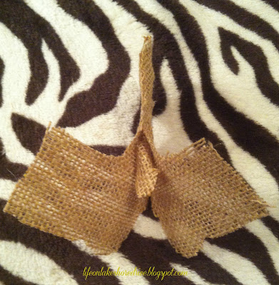 "alt=""burlap and fabric turkey head using fabric stiffener tutorial how-to"""