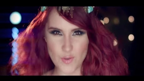 Dulce Maria – O Lo Haces Tú O Lo Hago Yo HD