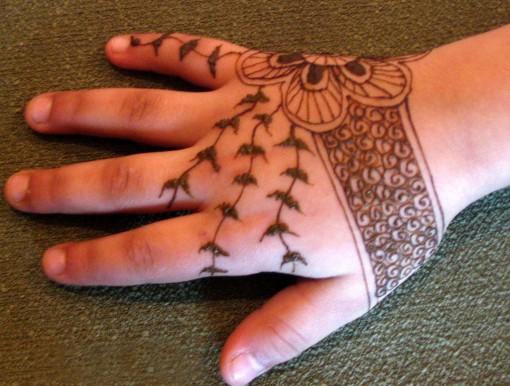 Mehndi For Kids Full Hand : Kids mehndi designs wafa