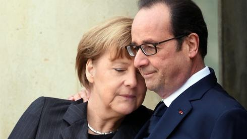 http://www.handelsblatt.com/images/hugo-bildid-41095711topshotsfrench-president-francois-hollande-r-welcomes-german-chancellor-angela-merkel-l-at-the-elysee-palace-before-attend/11217032/2-format3.jpg