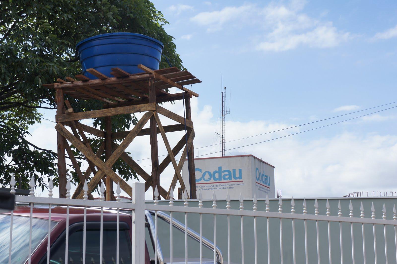 de hoje não pude deixar de registrar essa o codau montou uma torre #203A6B 1600x1063