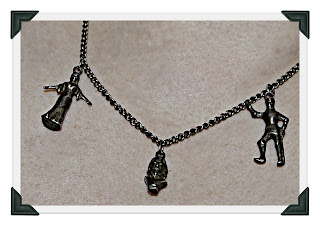 Shakespeare, jewelry, silver, necklace