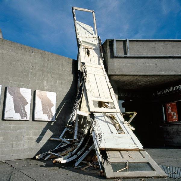 Kuno Lindenmann,Installation Aussen, Kunstverein Ingolstadt, 1983