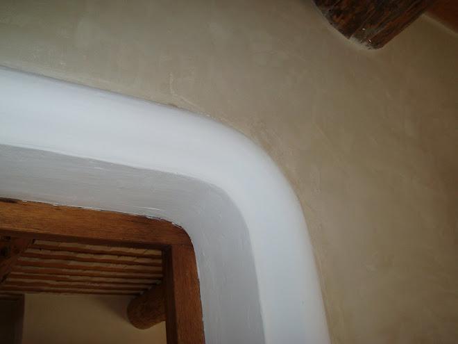 Plâtre coloré aux ocres naturels de Roussillon