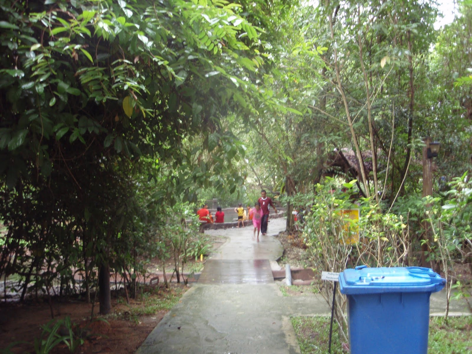 Sungai klah hot springs - The Entrance Ticket Is Only Rm10 For Whole Day Saturday Sunday And Public Holiday The Price Is Rm15 The Working Hour Of The Resort Is From 9am To 10pm