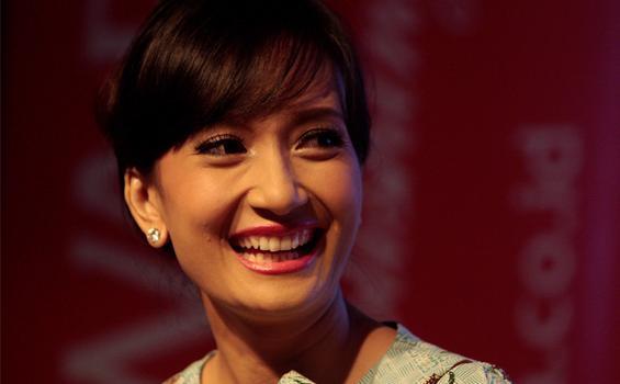 wanita paling cantik indonesia artika sari devi