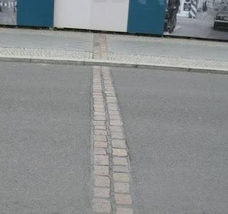adoquines recuerdo Muro de Berlín Alemania
