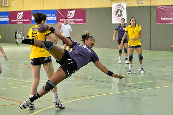 Yacaira Tejeda, renueva con Adesal | Mundo Handball