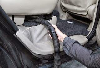 Cara Yang Baik Untuk Membersihkan Jok Mobil Sesuai Bahannya