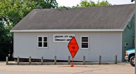 Urbank+City+Hall.JPGurbank city