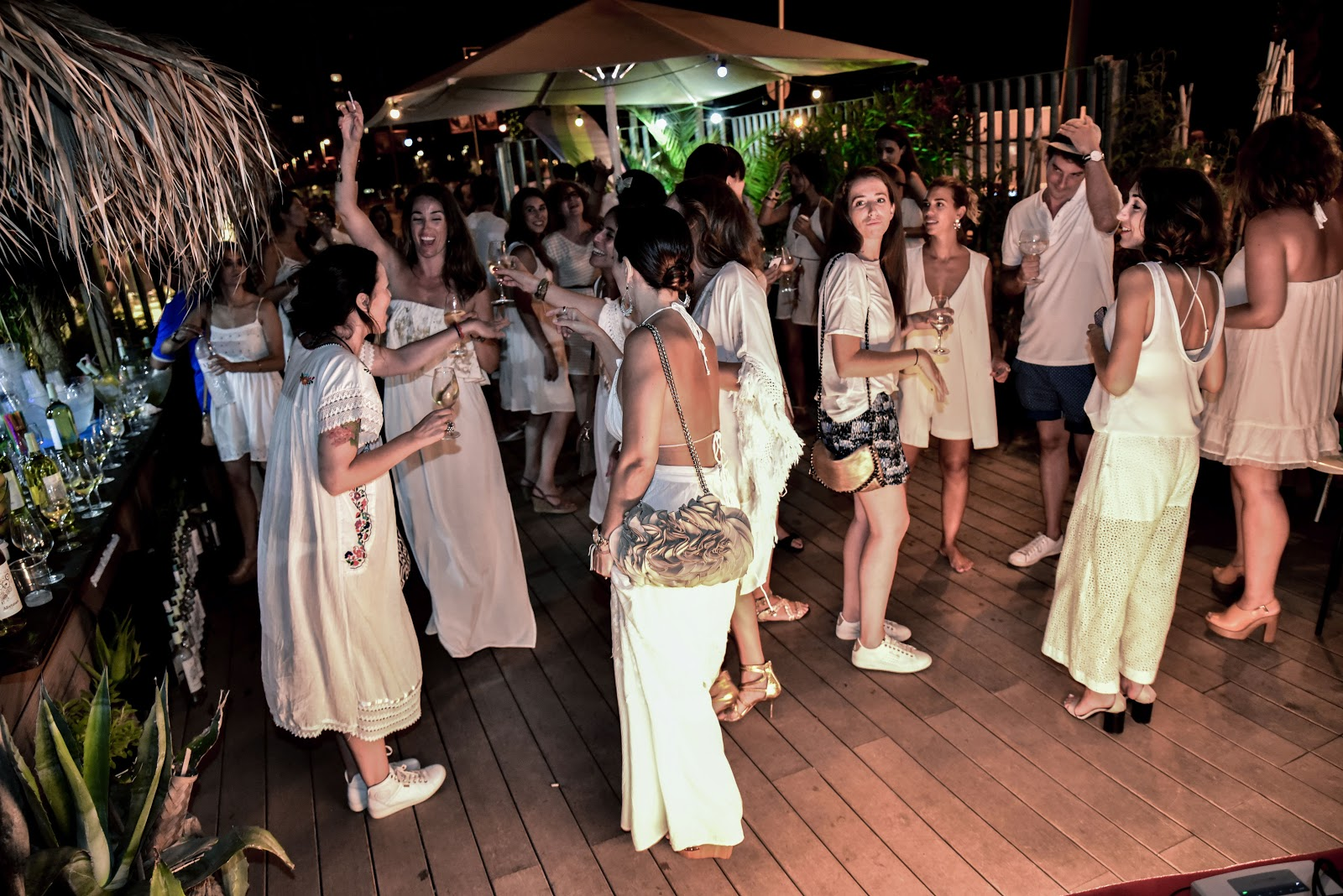 Summer White Party Vino afortunado