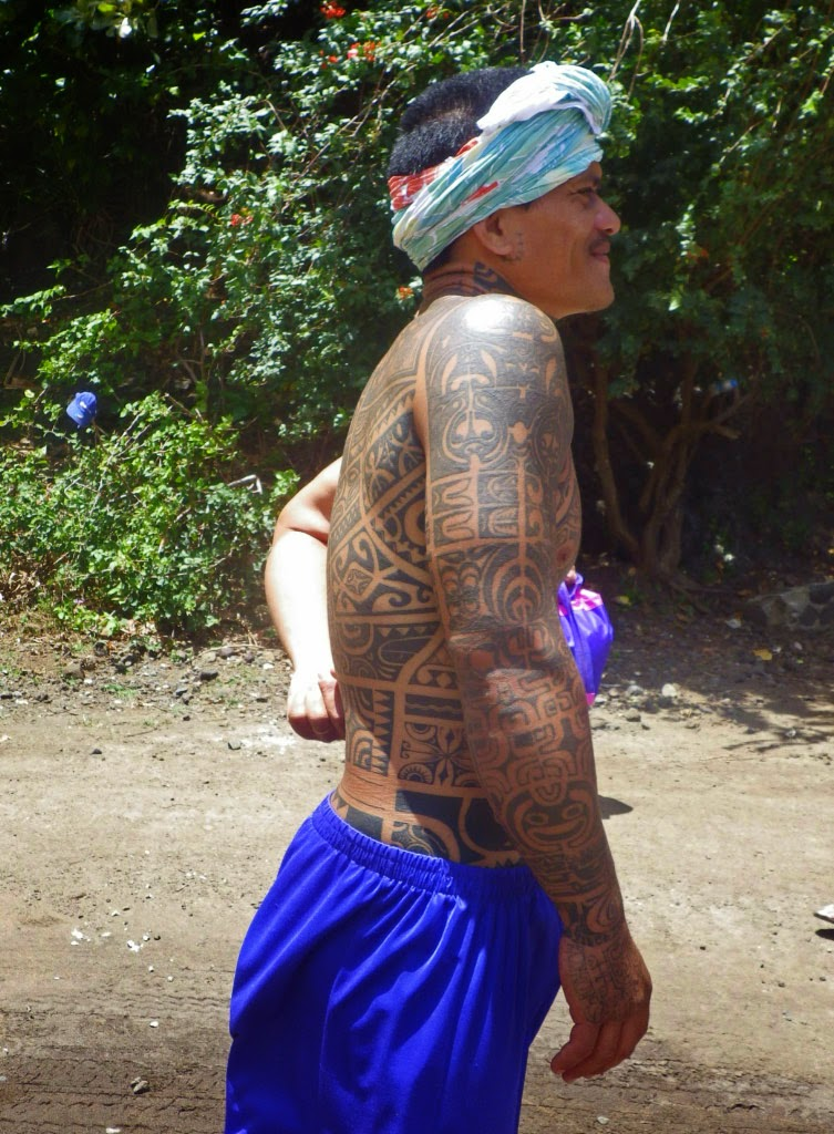 Tatoueur polynésien Tahiti en France - tatouage traditionnel maori