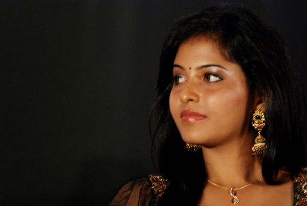 ANJALI LATEST STILLS hot images