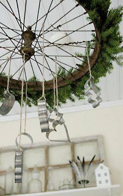Små lampskärmar till takkrona