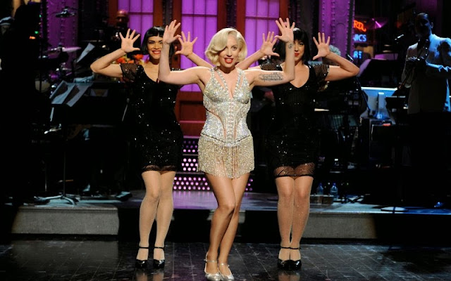'Saturday Night Live' recap: Lady Gaga lives for applause, but gets laughs too