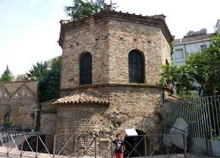 Ravenna, Baptisterio de los Arianos.