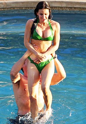Courteney Cox 46 Flaunts Super-Fit