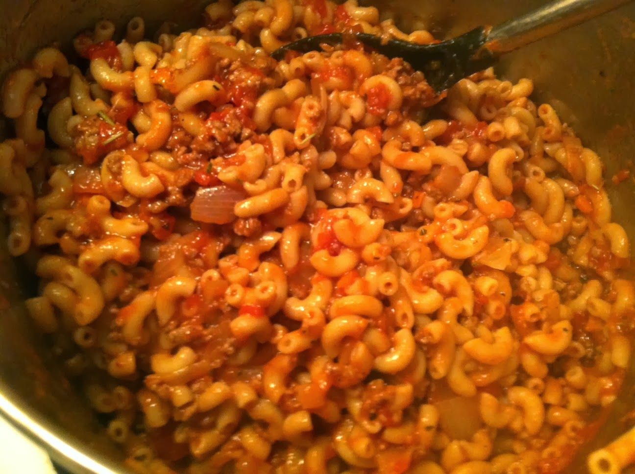 Stirring up Pasta with Super-Tasty Meat Sauce for #WeekdaySupper