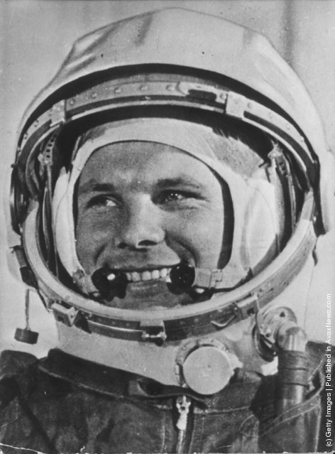 first astronaut to orbit earth - photo #1