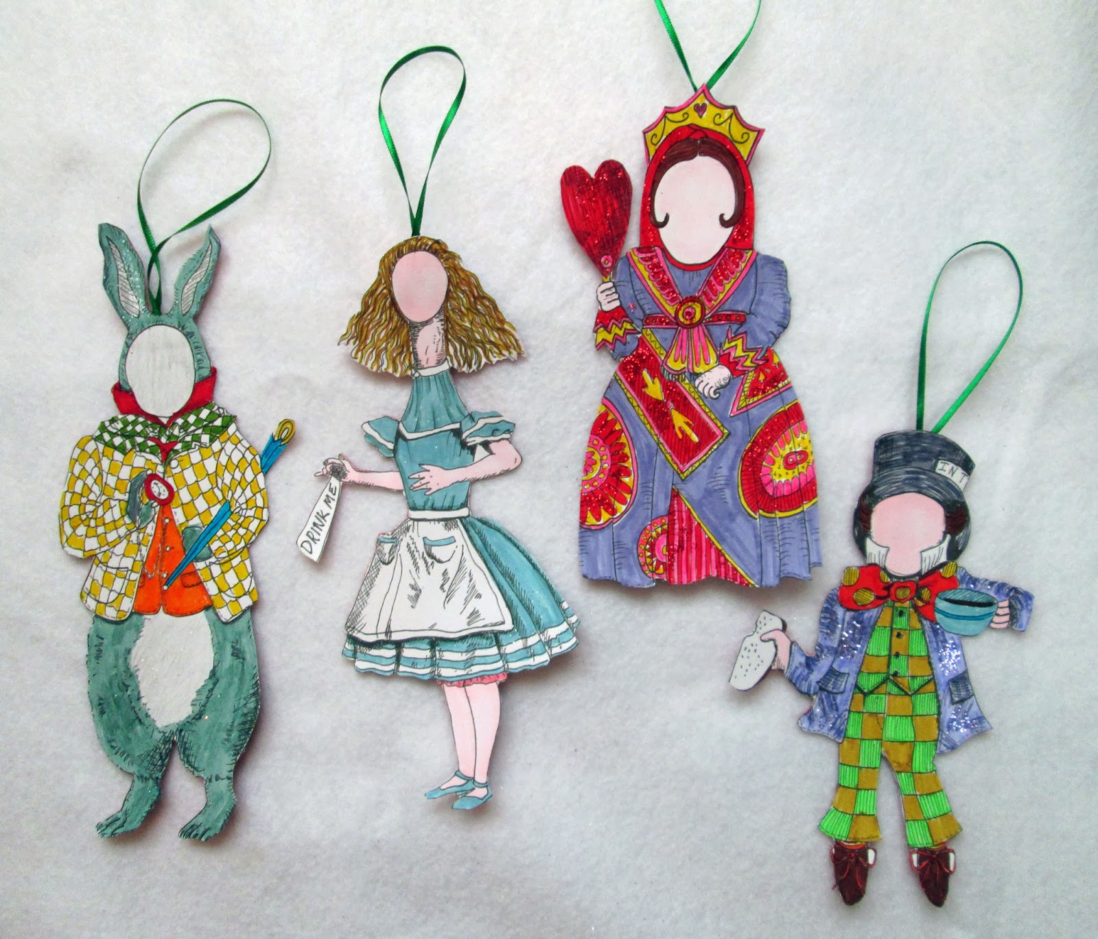 Tea with lavera craft a christmas tree extravaganza for Alice in wonderland crafts