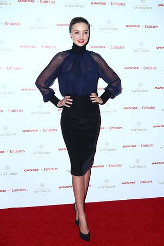 Vestido azul marino y negro