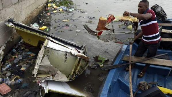 See Photos of Helicopter that plunged into Lagos Lagoon on wednessday