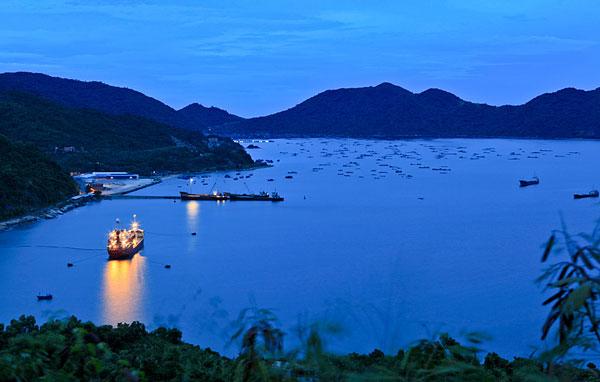 cho thuê xe đi Phú Yên - Vịnh Vũng Rô