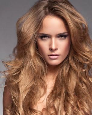 Peinados de cabello largo con volumen