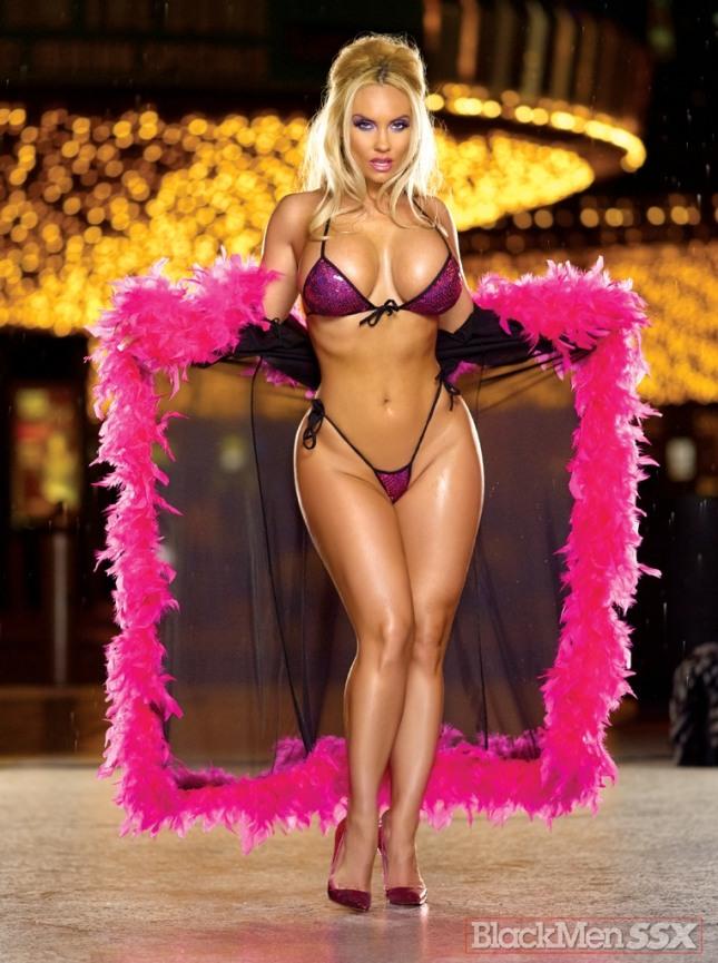 Nicole Coco Austin Model