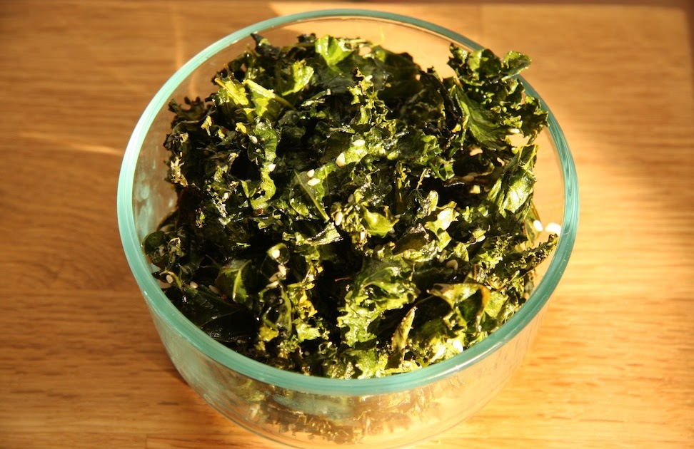 Rachel's Holistic Secrets Blog: Recipe: Sesame Ginger Kale Chips