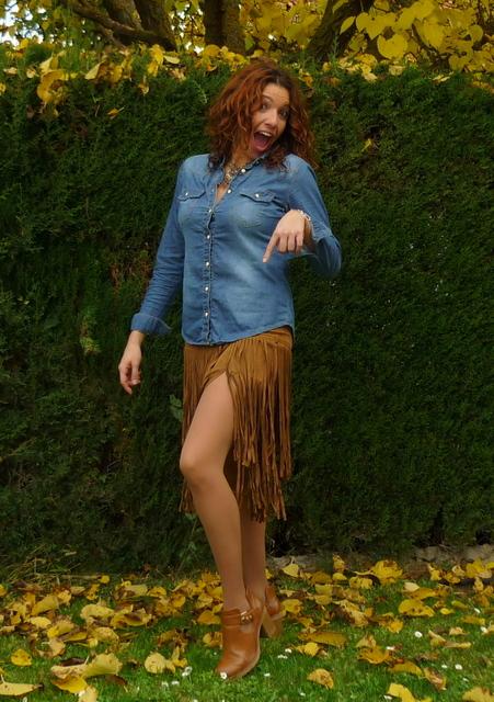 falda flecos cuero