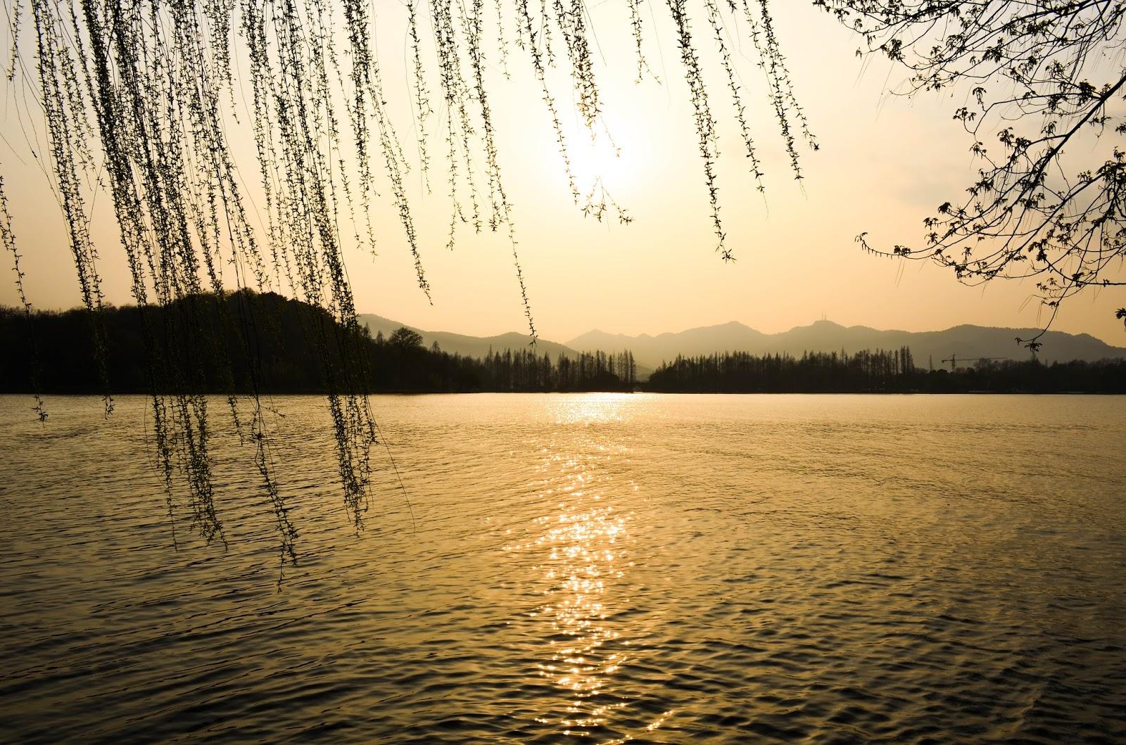 sunset in hangzhou lake