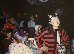 1986.2,狂欢节使人人变成了孩子。