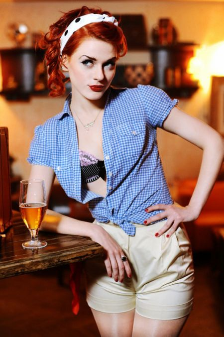 Ivana Gretel Macabre deviantart photos models red hair pin-up vintage Rosie