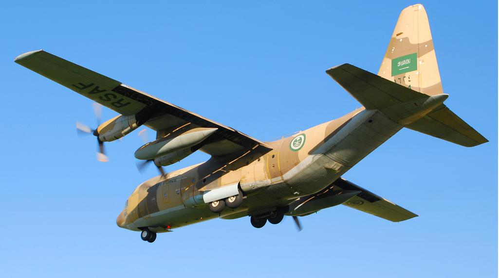 الموسوعه الفوغترافيه لصور القوات الجويه الملكيه السعوديه ( rsaf ) Royal+Saudi+Air+Force+C-130+Hercules
