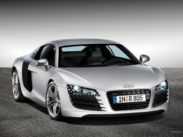 Front picture of Audi R8