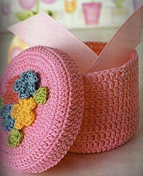 Caja de recuerdos tejida con ganchillo