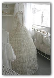 En gammal bröllopsklänning inropad på tradera