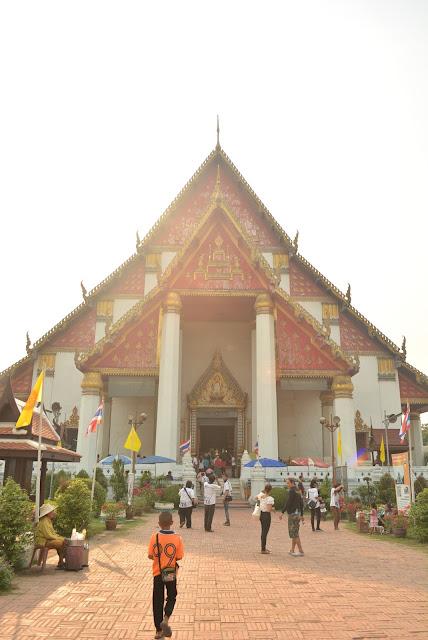 Wat Phra Mongkhol Bophit