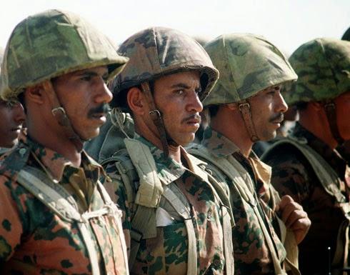 مقتل 11 جنديا مصريا في هجوم على مدرعة بسيناء