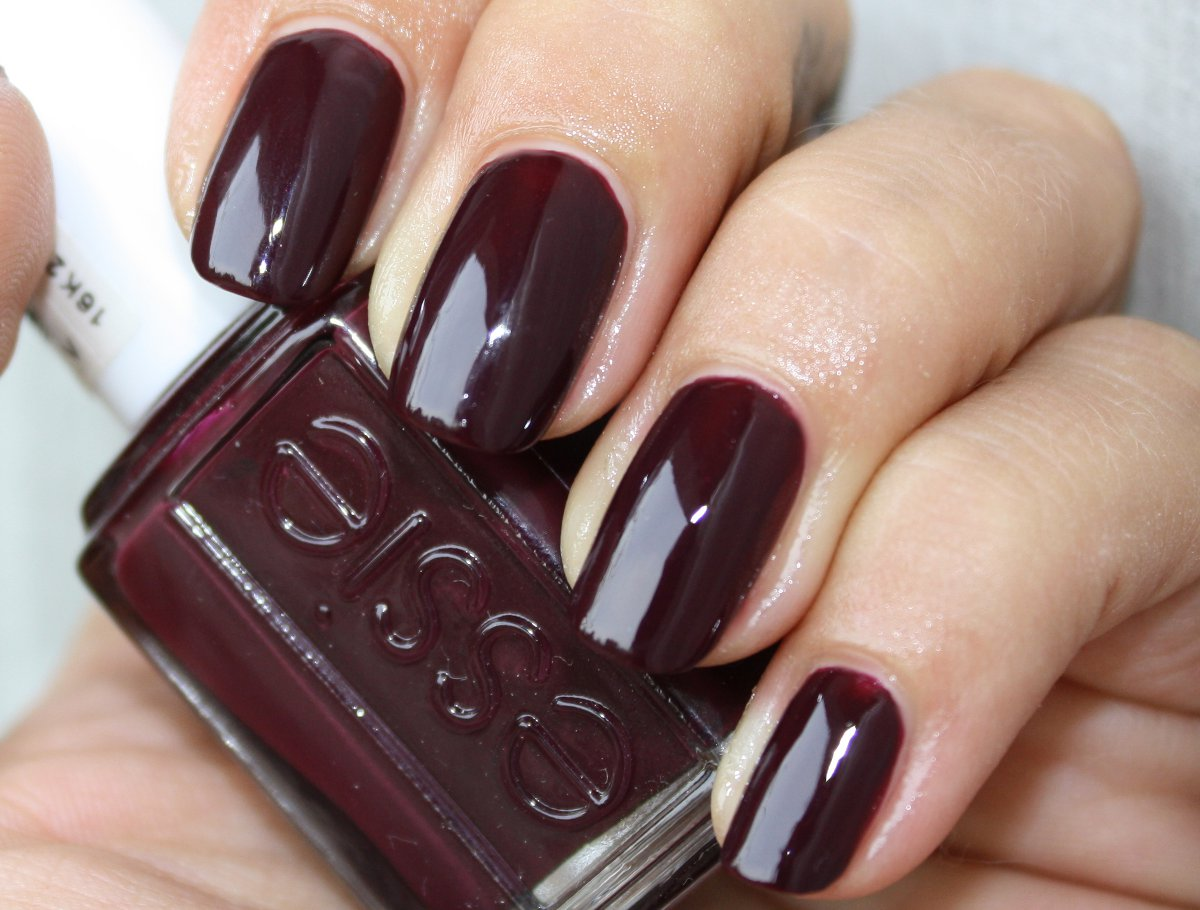 My List Of ....: [ Review ] Essie Sole Mate