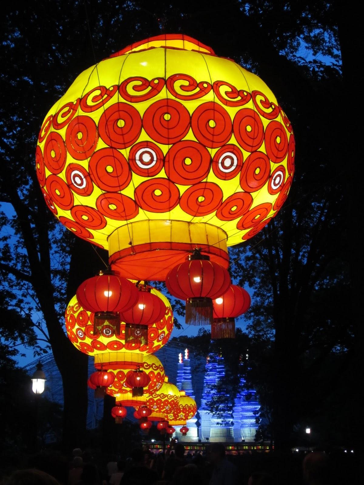 Cook scrap craft lantern festival at missouri botanical Missouri botanical garden lantern festival