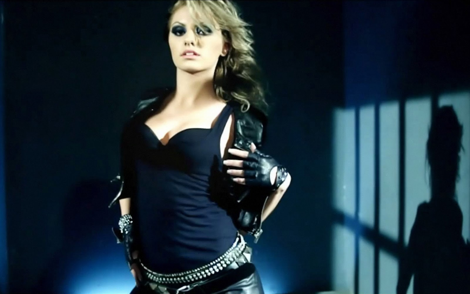 Alexandra Stan - Wallpapers