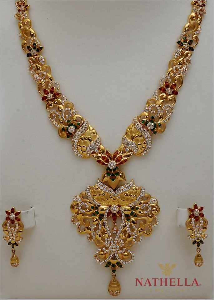 WOMEN\'S WORLD: BEAUTIFUL NECKLACE FROM NATHELLA JEWELLERS