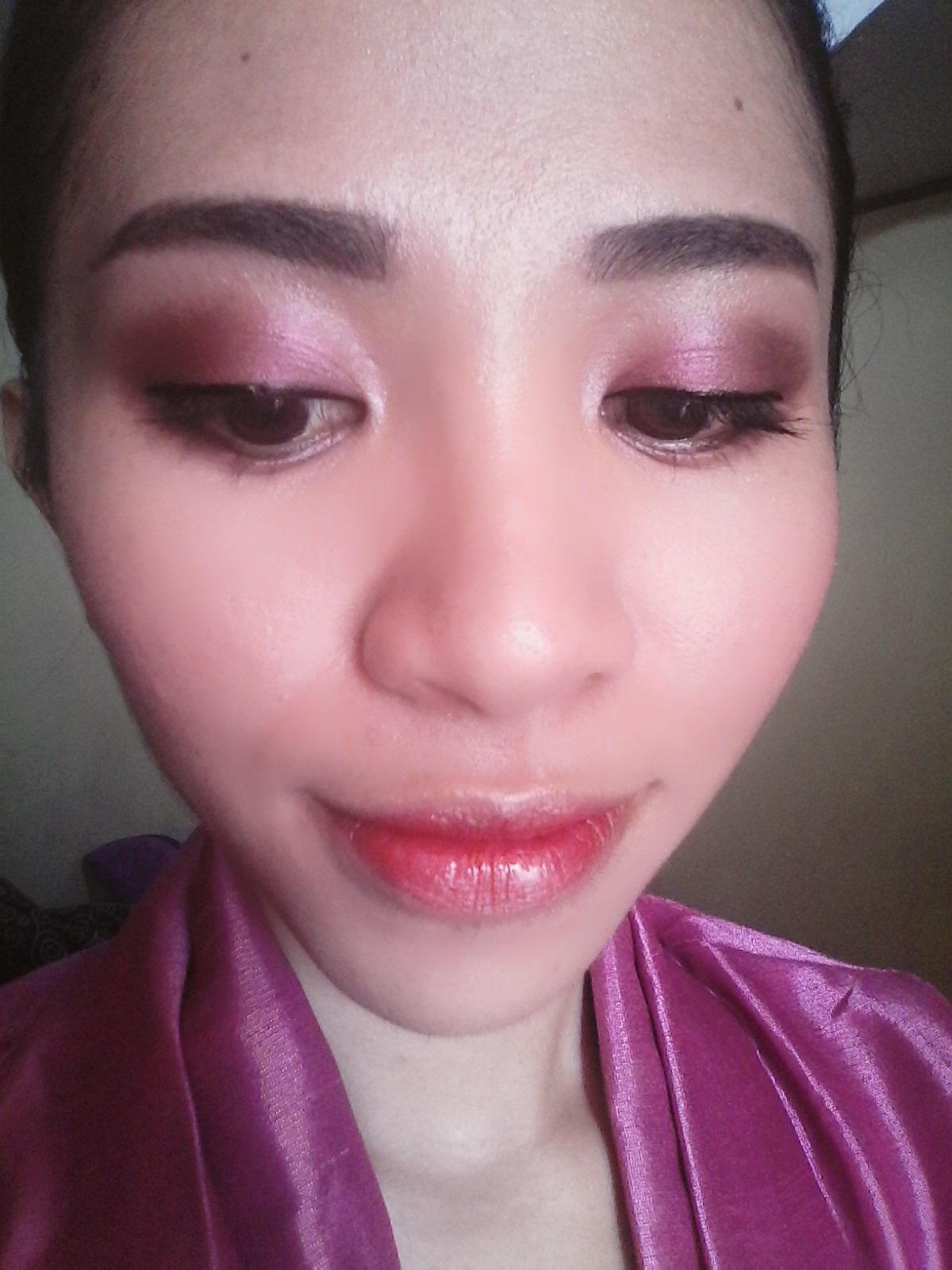 Glowing Day Makeup Look Dandan Ke Gereja