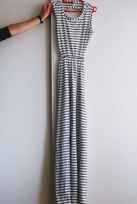 http://www.shein.com/White-Sleeveless-Backless-Striped-Maxi-Dress-p-213613-cat-1727.html?utm_source=pomaranczowa-pomarancz.blogspot.jp&utm_medium=blogger&url_from=pomaranczowa-pomarancz.blogspot.jp