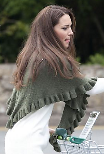 Knitting Pattern For Kate Middleton s Shawl : knitnscribble.com: Kates shopping shawl knitting pattern for real!